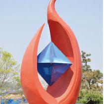 新疆翼海牛雕塑